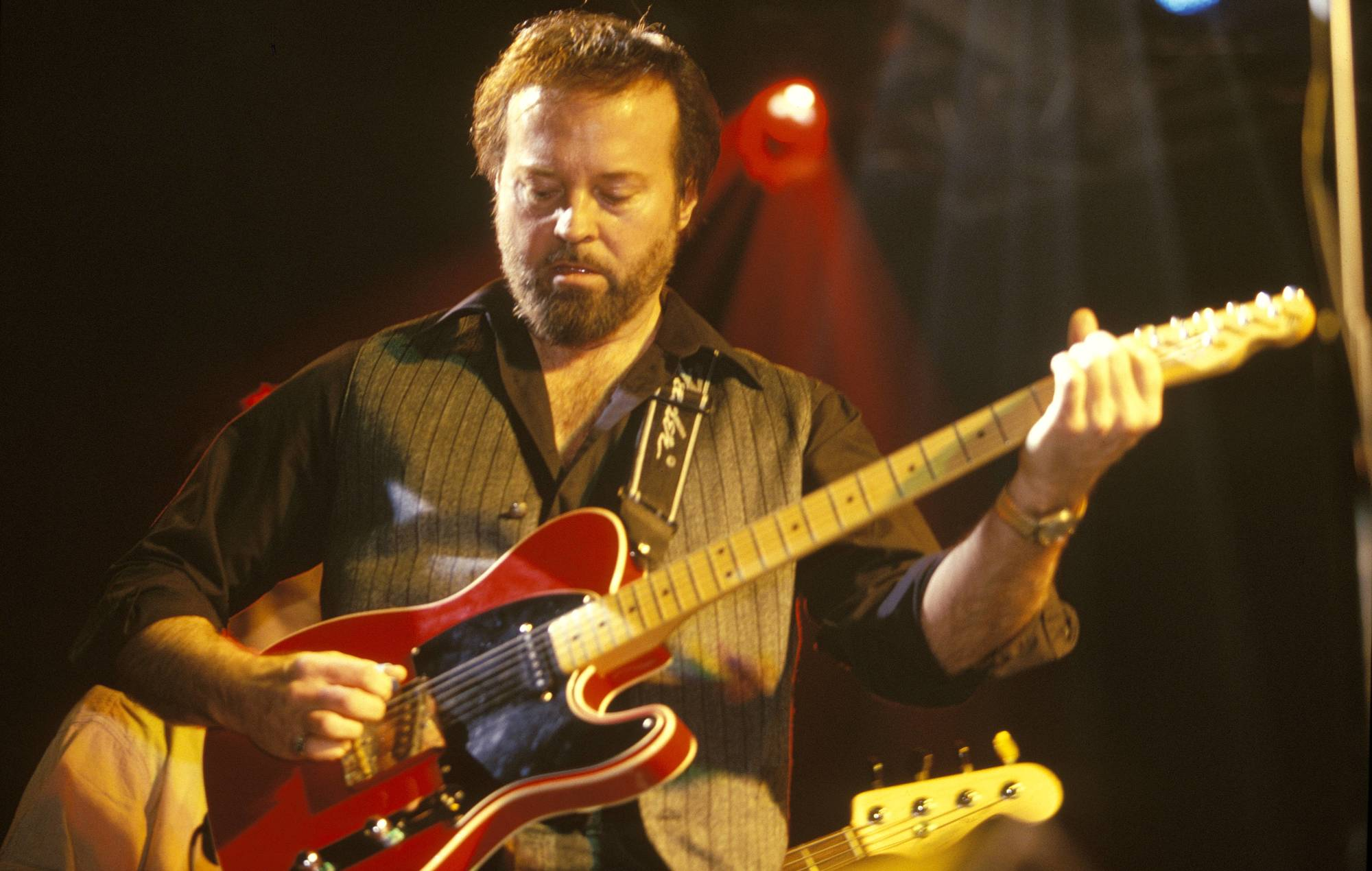 Paul McCartney, Led Zeppelin, Eric Clapton and more sign guitar to raise money for Jerry Donahue