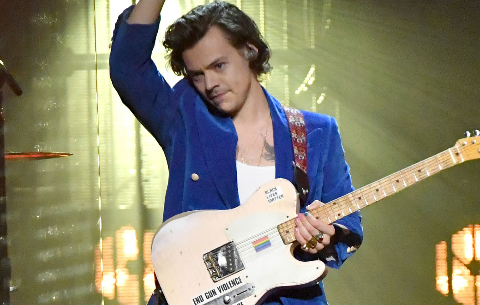 "Harry Styles thinks ""stress-relieving"" magic mushrooms boosted creativity for his new album"