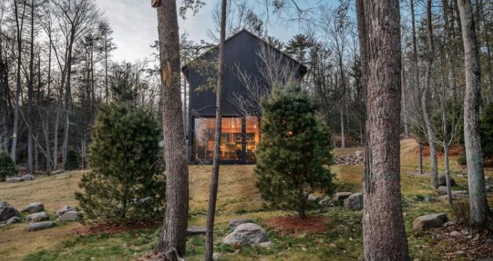 An Interior Designer's Winter Getaway In Upstate New York
