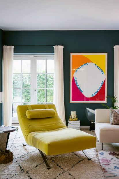 How to put spring blooms on your walls